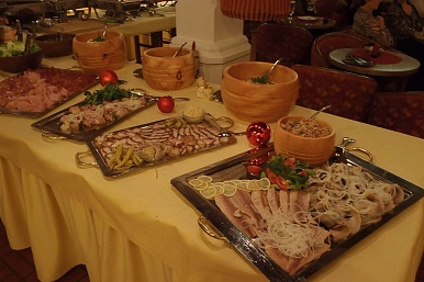 Delicious buffet at the Hotel Wieser